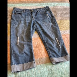 Seven7 Jean capris in great condition